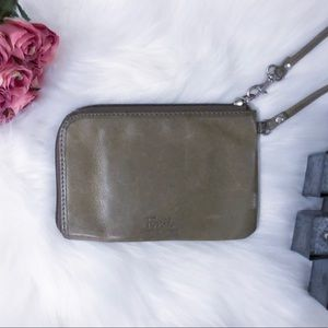 Fossil Genuine Leather Green Wristlet GUC
